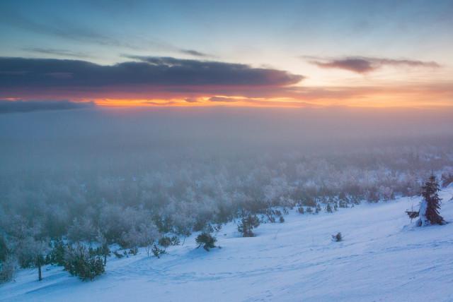 Morgenstimmung mit böhmischem Nebel auf dem Kahleberg