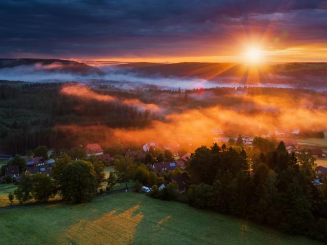 Sonnenaufgang über Holzschlag und der Wutachschlucht