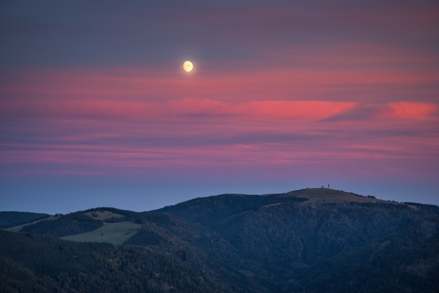 Mondaufgang über dem Feldberg